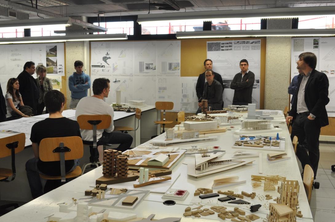Proyectos 4.  Viviendas y equipamientos 22@ Borja Ferrater, Juan Trias de Bes, Joan Guibernau