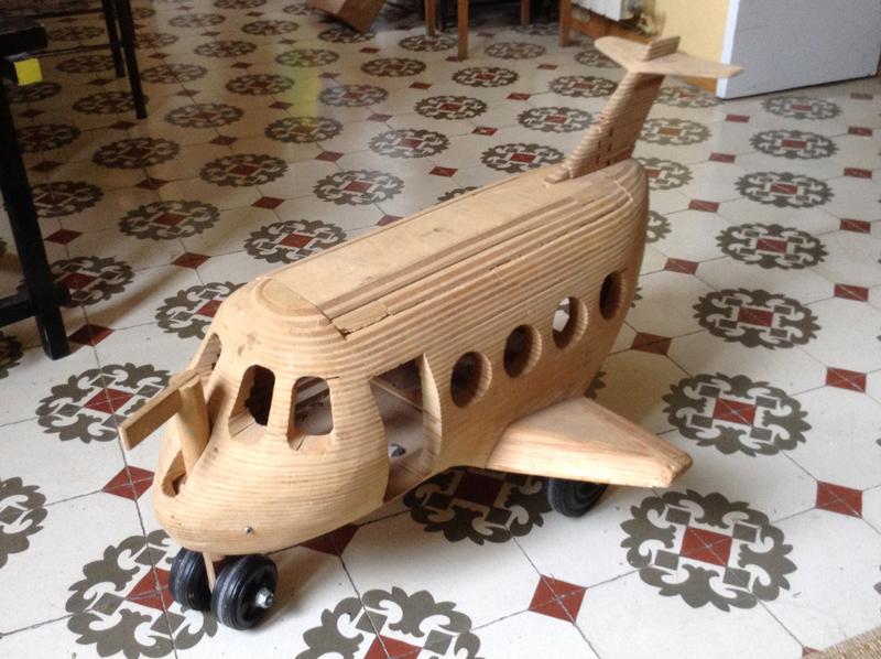 Avión de capas de contrachapado de 10mm