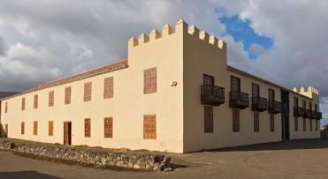 casa-de-los-coroneles-fuerteventura-02-620x340