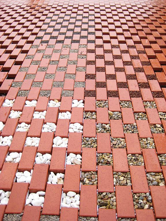 Pavimentación de jardines con sistema de revestimiento cerámico Flexbrick
