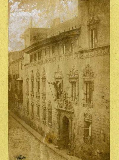 Façana de la casa Gralla