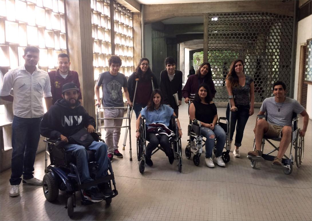Foto 4. Alumnos asignatura Accesibilidad - Universidad Central de Venezuela.jpg
